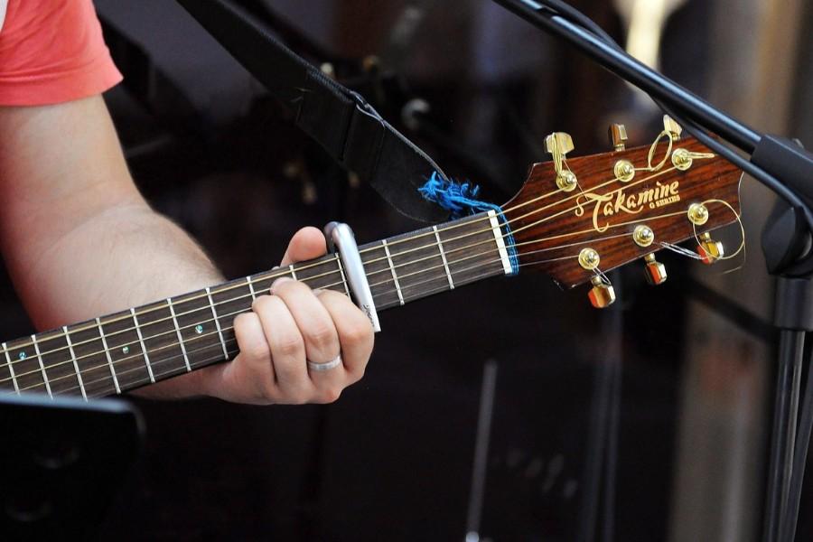 アコースティックギターの紐
